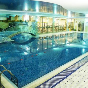 Book your swimming class today with classes from €5
